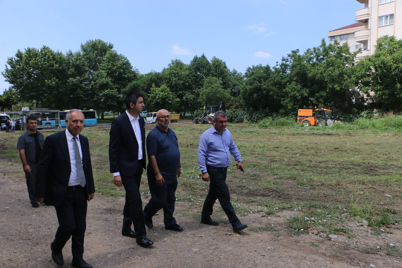Başkan Gökhan Yüksel, temizlik çalışmalarını izledi