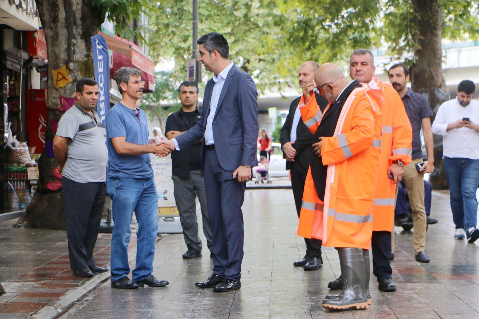 Başkan Yüksel, Ankara Caddesi'nde yağış sırasında alınan tedbirleri denetledi